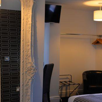 Sunnyside Hotel Room 9 King size Southport